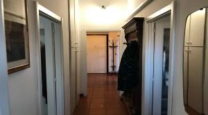 corridoio dal bagno all'entrata